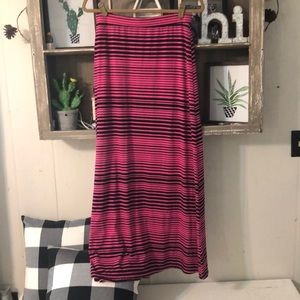 Mix & Co pink and black maxi skirt